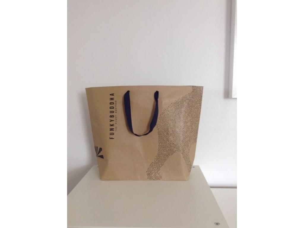 τσάντες οικολογικές με εκτύπωση χάρτινες τσάντες κραφτ για εμπορικά  καταστήματα d3bbec34bf4